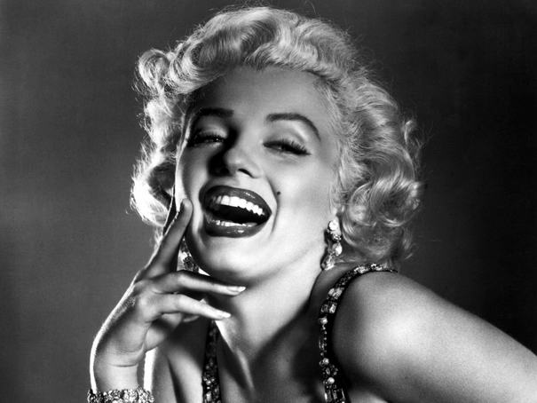 """Face Its: """"I want to grow old without facelifts. I want to have the courage to be loyal to the face I have made."""" – MarilynMonroe"""